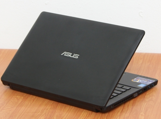 ASUS PRO P550L I7 4510U/ 4GB/ 500GB/ NVIDIA GEFORCE 820M/ HD